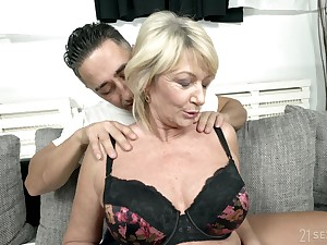 Busty mature granny Rosemary gets a huge cum shot on her confidential