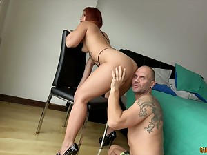 Big assed trull Ms Monroy gives the brush head and gets the brush twat banged
