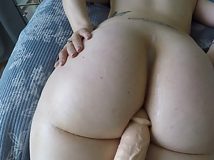 Big booty white girl
