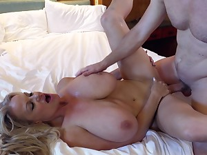 Kelly Madison's cunt is all a impoverish wants alongside penetrated
