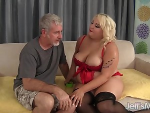 Chubby Floozy Jade Rose Sucks a Blindfold Cock coupled with Gets Will not hear of Pussy Fucked Bigtime