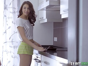 Cute teen babe Jordan gets fucked hardcore to the fullest making breakfast