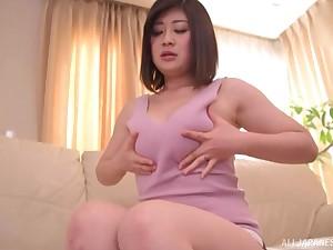 Unplanned haired unattended Japanese brunette model Misato Shiori masturbates