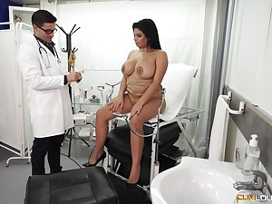 Chubby Latina bombshell pounded hardcore at the doctor's office