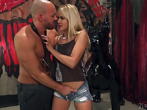 Starkers headed man fucks succulent anus of bootiful blond babe Cherry Fondle