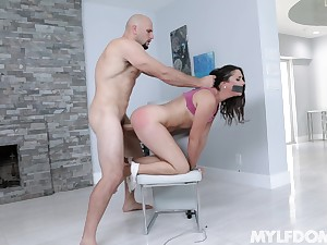 Curvy unlit Anna Morna fucked on the chair by a long dick