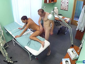Passionate sex in the doctor's assignation