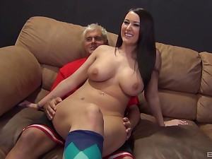Wild fucking on the lie doggo sofa with cock hungry Alexis Grace