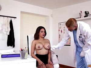 Wet pussy of slutty big breasted secretary Kesha Ortega is banged in the cards explore