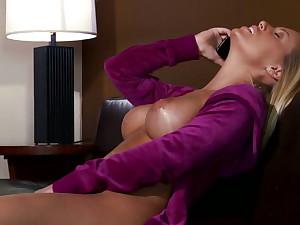 Nicole Aniston likes squarely big