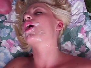 Slutty girlfriend Gets Her Anal Fucked Outdoors